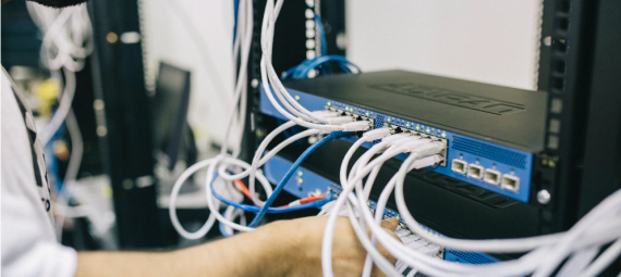 connecting server cables